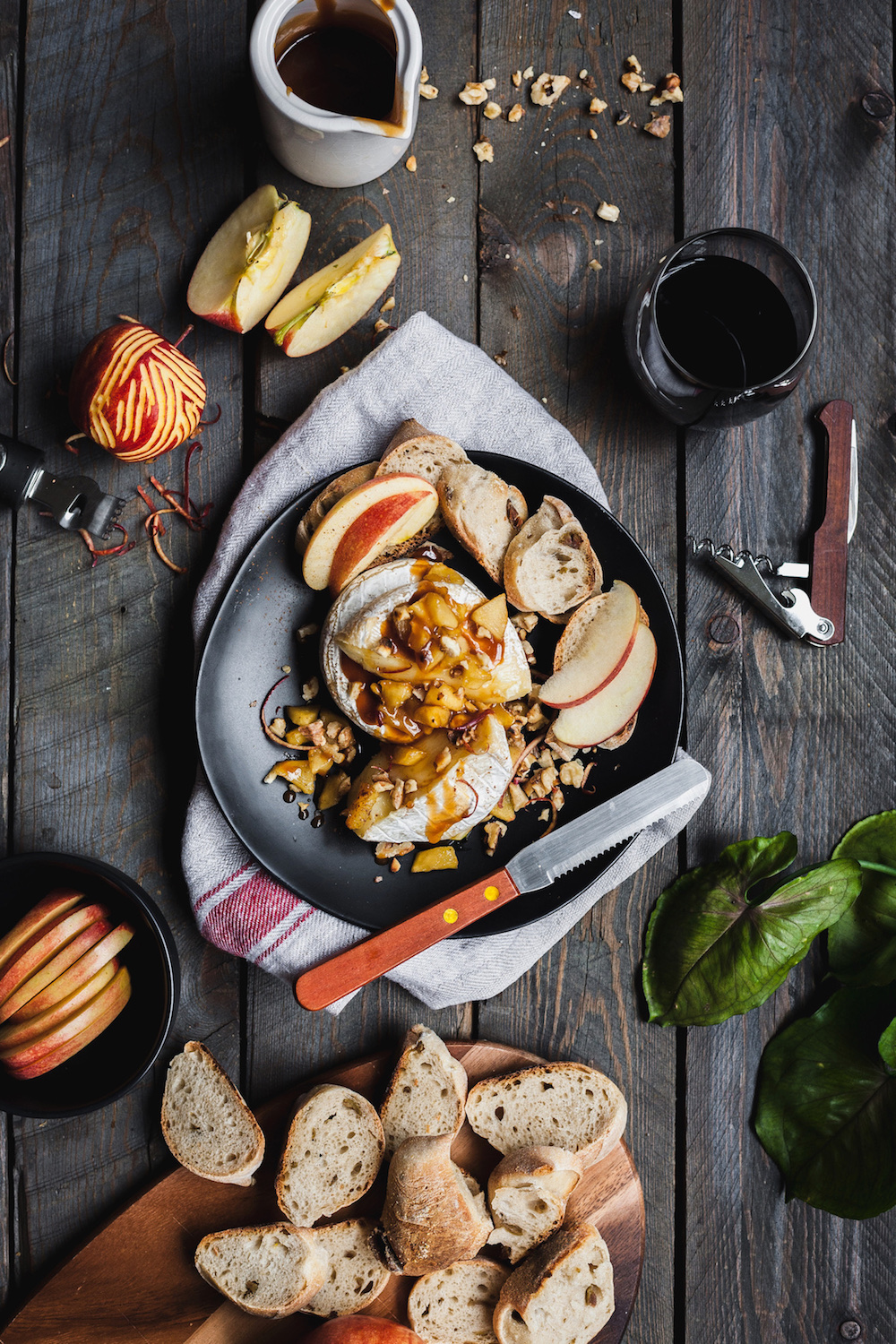 Baked Brie With Caramelized Apples