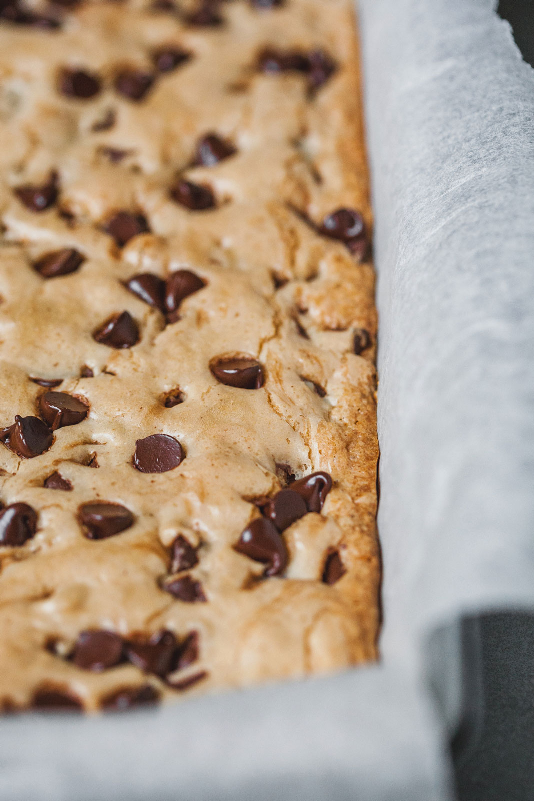 Brown Butter Earl Grey Chocolate Chip Cookie Bars